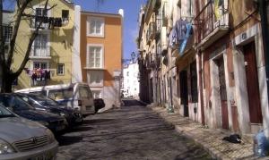 Vilse i kåkstäderna i östra Lisboa. Härifrån vill man kanske inte pendla till jobbet.